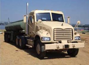 防弾装備後のMACKトラック